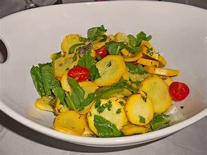 Salat Mit Zucchini : griechischer salat mit zucchini rezept mit bild ~ Lizthompson.info Haus und Dekorationen