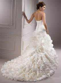 wedding dress boutiques gowns especially prepared for a bridal 2013 trendy mods