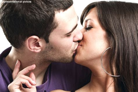 Kissing Boosts Sexual Satisfaction Life And Style