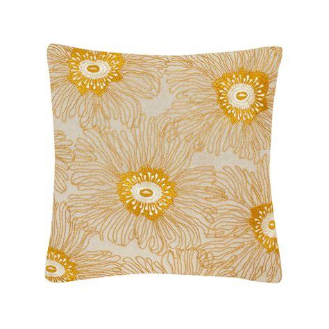 cuscini fatti a mano cuscino ricamo floreale fatto a mano coincasa