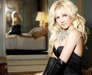 Britney looking hot in a promo shot   Britney Spears turns ...