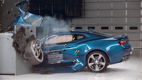 crash test si鑒e auto iihs car crash tests