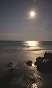 What are some of the best wallpapers for mobile (no nature ...