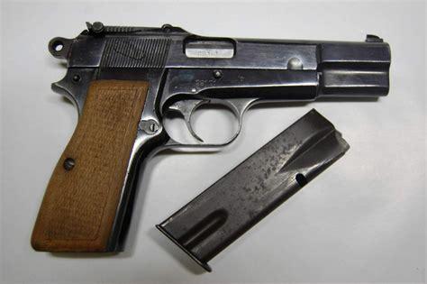 cuisine d occasion à vendre pistolet semi automatique de marque fn herstal modèle gp35