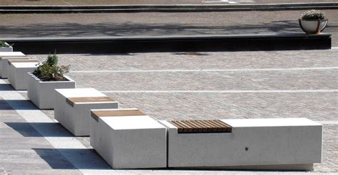 Panchine In Cemento by Panchina Modulare In Cemento E Legno Per Spazi Pubblici