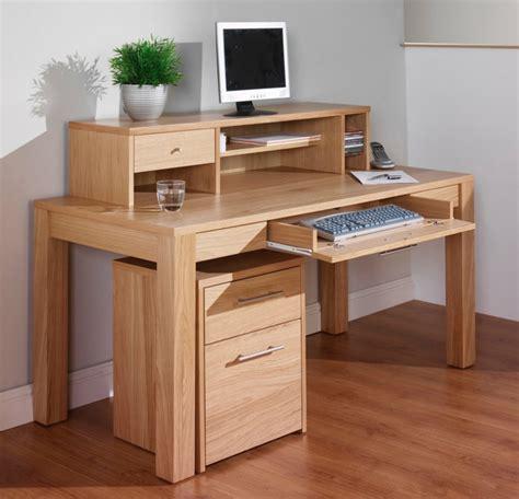 bureau bois clair le bureau en bois massif est une classique qui ne se