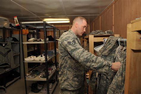 air force mulls uniform shift  abus  acus militarycom