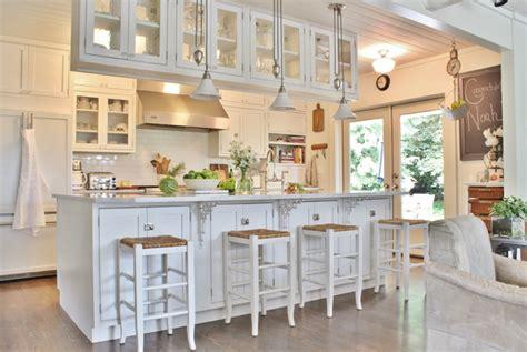 cuisine rustique blanche renover une cuisine rustique en moderne peindre vieille