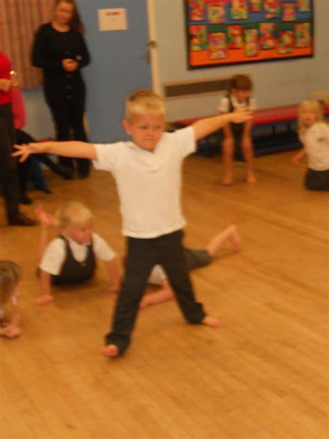 pontyclun primary school reception class indoor pe