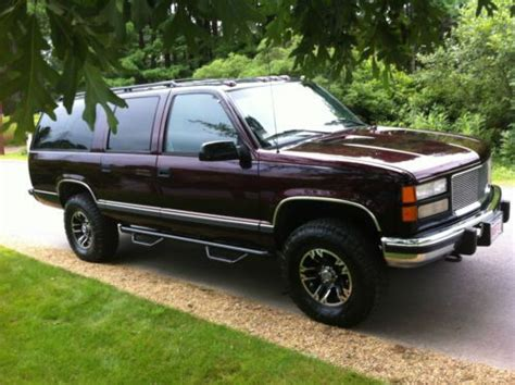 sell   gmc  suburban     kind horse