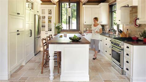 modele de cuisine rustique modele cuisine blanche cuisine blanche avec lot central