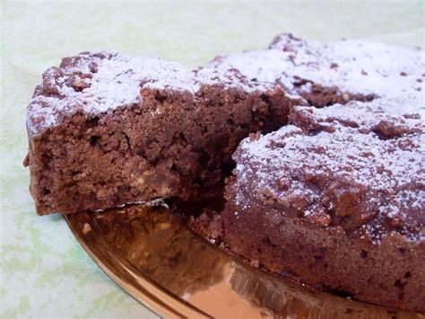 cuisiner tofu fumé gâteau moelleux au chocolat et au riz soufflé vegan