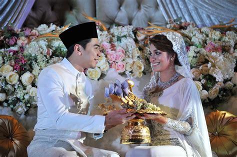foto foto sekitar majlis perkahwinan amyra rosli amar