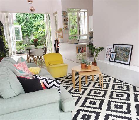 hiasan ruang tamu kecil flat  desain rumah minimalis