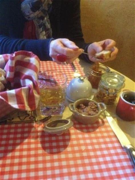 cuisine atypique d馗o brochette de boeuf sauce roquefort photo de a la vierge ciney ciney tripadvisor