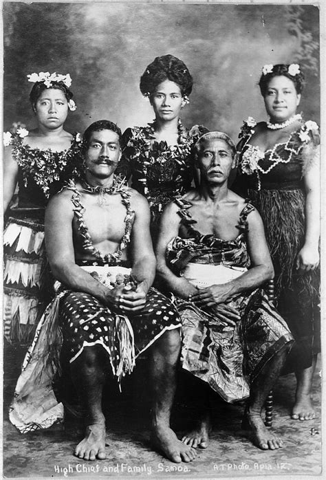 File:High Chief and family, Samoa, ca 1914.jpg - Wikimedia