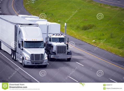 Two Trucks Modern Classic Trailers Reefer Flat Bed
