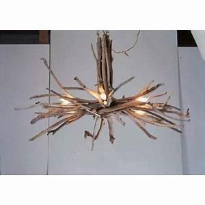 Lustre En Bois Flotté : les 25 meilleures id es de la cat gorie lustre fait de bois de cerf sur pinterest lustre de ~ Teatrodelosmanantiales.com Idées de Décoration