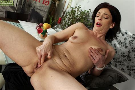 Saggy Tits Beautiful Shaved Pussy Xxx Dessert Picture 14