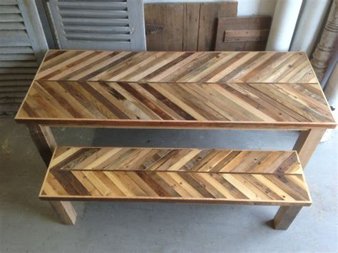 reclaimed wood kitchen table and chairs reclaimed pallet and barn wood kitchen table with matching