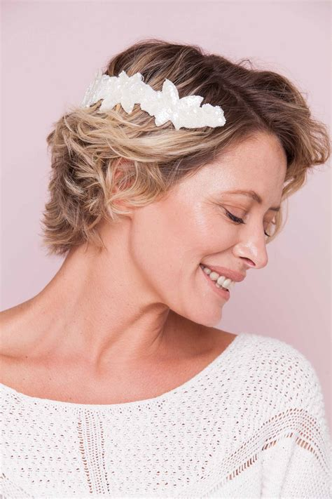 6 festive party hairstyles for short hair