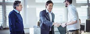 How To Become A Sales Representative