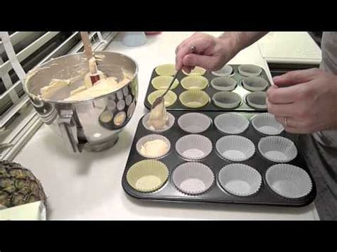 how do cupcakes bake baking vanilla cupcakes youtube