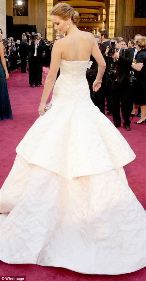 Oscars 2013 Jennifer Lawrence Anne Hathaway And Jessica