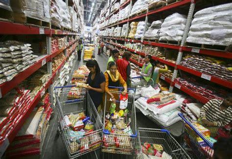 mart  profitable  retail giants