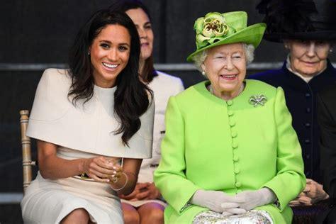 Oficiāli: Elizabeth II apsveica Megan Augu Mykle dzimšanas ...