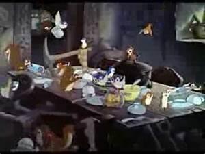 Blanche Neige Disney Youtube : blanche neige siffler en travaillant youtube ~ Medecine-chirurgie-esthetiques.com Avis de Voitures