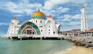 The 12 Most Beautiful Temples and Mosques in Malaysia - EscapeHere  Beautiful Masjid On Water