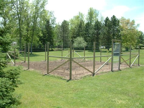 deer fence design ideas deer fence for garden smalltowndjs com