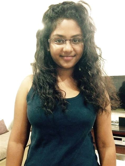 Chubby Young Desi Indian College Girl Naked Selfie