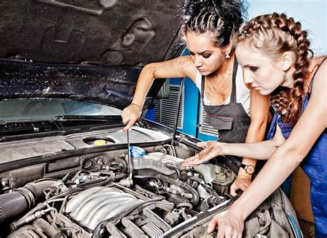 Auto Mechanic Career Information by What Are The Benefits To Taking Auto Mechanic Courses