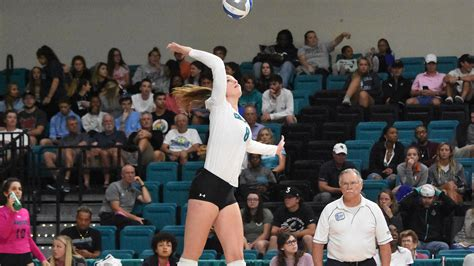 Ilse Sinnige - Women's Volleyball - Coastal Carolina ...