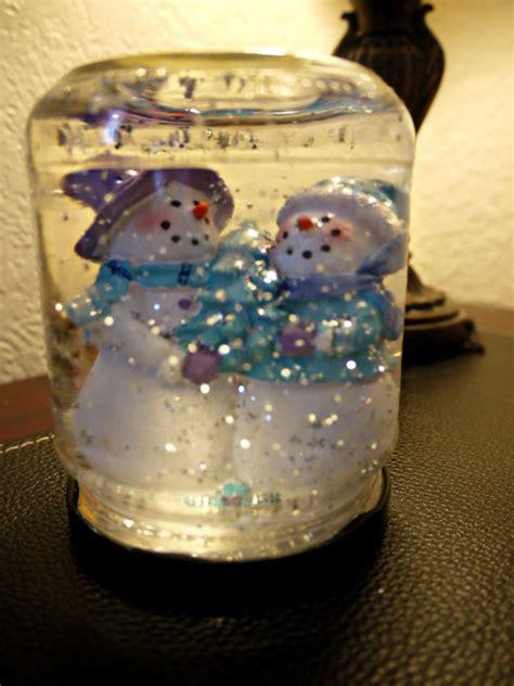 inexpensive christmas craft  snowglobe budget