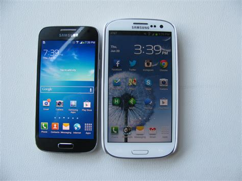 hands   samsungs    galaxy devices pcworld