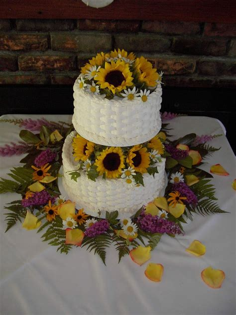 Wedding Cakes Pictures Sunflower Wedding Cakes