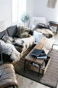 le meilleur plaid en fourrure en 40 photos inspirantes With tapis yoga avec plaid de canapé pas cher