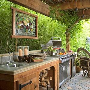20 Ideas and Examples of Well-Arranged Outdoor Kitchens