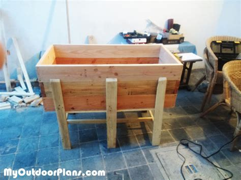 diy waist high planter myoutdoorplans  woodworking