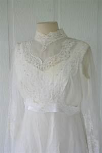 vintage ivory lace wedding gown bridal gown with sleeves With vintage ivory lace wedding dress