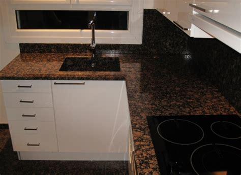 evier de cuisine en granite plan de travail de cuisine