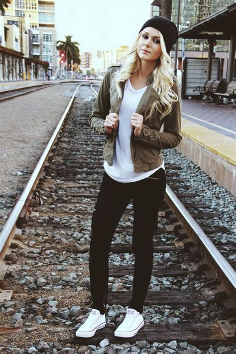 34 Best Cute Bowling Outfits to Wear on a Date - Outfit Ideas HQ