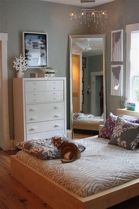 love  big mirror   corner bedroom pinterest