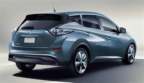 new nissan leaf nissan exec new leaf to be unveiled quot soon quot new design