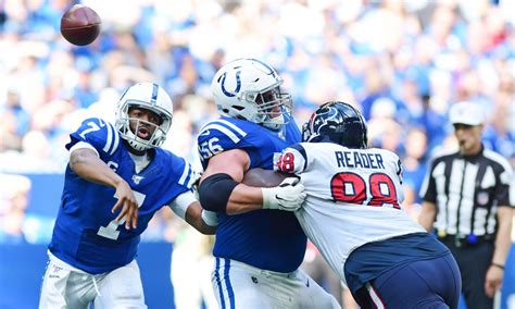 indianapolis colts hold  place  win  houston texans
