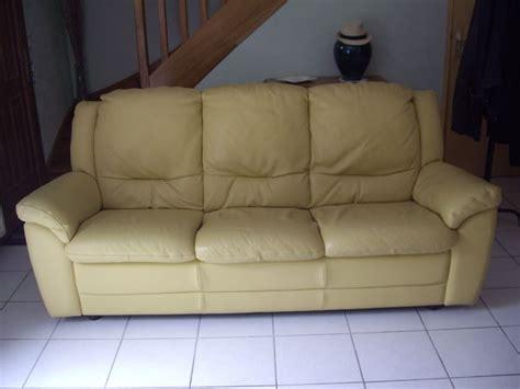 canape cuir jaune achetez canapé cuir jaune 3 occasion annonce vente à