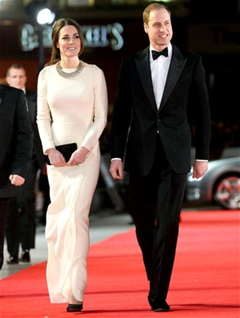 Prince William Height Weight Body Measurements Shoe Size ...